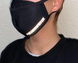 Stoffmaske-schwarz-Feuerwehr_Reflektschrift_Juerg_Siegrist_Holding_AG
