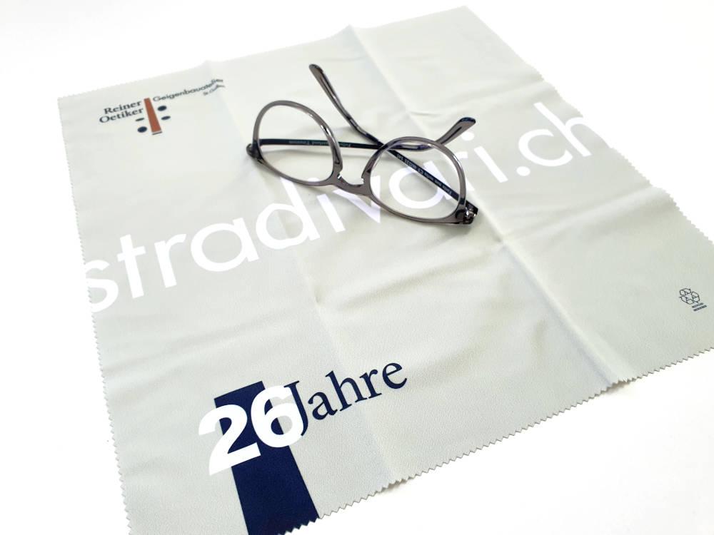 microfasertuch-bedruckt-als-sonderanfertigung-juerg-siegrist-holding-ag